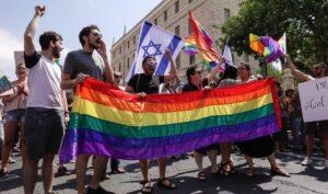 2018 demonstrierten Mitglieder der LGBT-Community noch dagegen, dass sie vom damaligen Leihmutterschaftsgesetz ausgeschlossen blieben