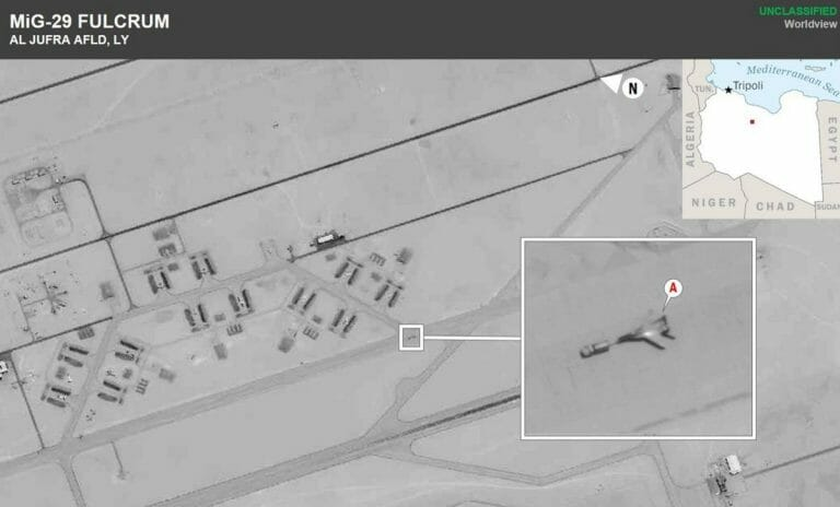 Kürzlich aus Syrien nach Libyen verlegte russische Kampfflugzeuge