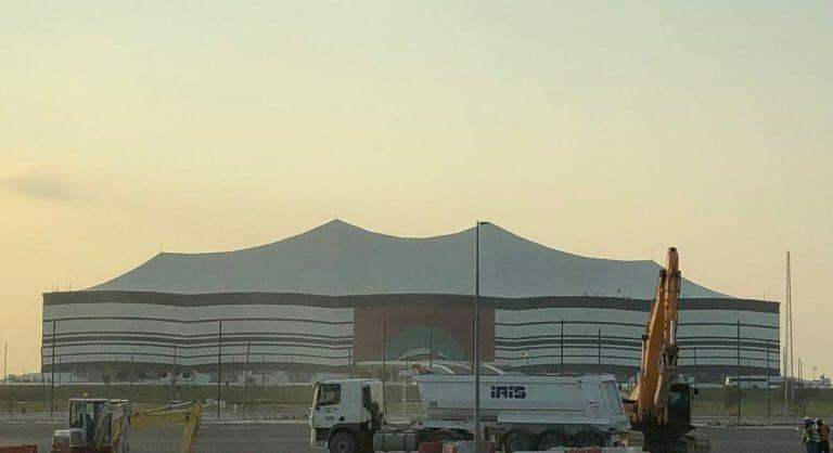 Baustelle des Al-Bayt-Stadium in Katar
