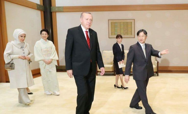 Nach G20-Gipfel in Osaka: Emine und Recep Erdogan im Kaiserpalast in Tokyo