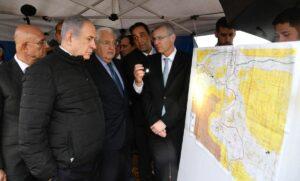Netanajhu in Ariel, auf das die israelische Souveränität ausgeweitet werden könnte