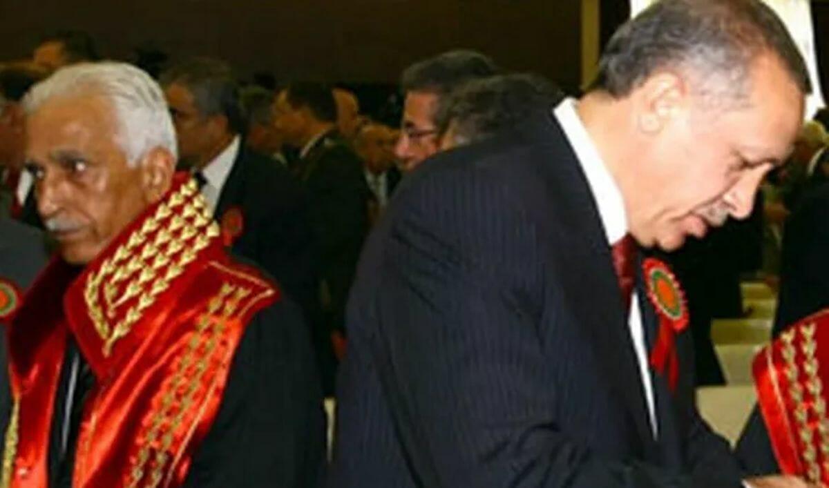 Generalstaatsanwalt Abdurrahman Yalçınkaya und Miniterpräsident Erdogan im Jahr 2008