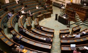 Sitzung im – coronabedingt ausgedünnten – belgischen Parlament