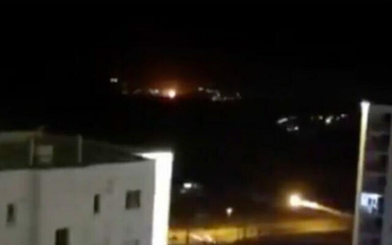 Auf Twitter wurden Bilder der Explosion nahe Teheran gepostet