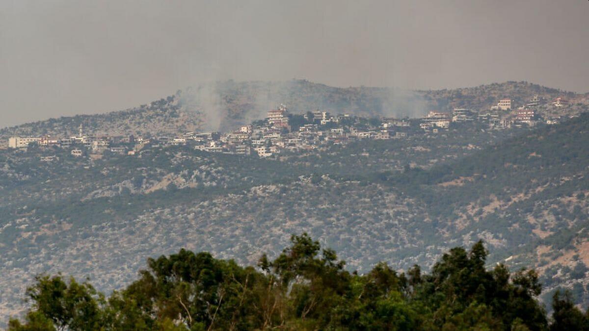 Rauch über Kfar Chouba im Libanon, nachdem IDF-Truppen den Infiltrationversuch eines Hisbollahtrupps verhindert hatten