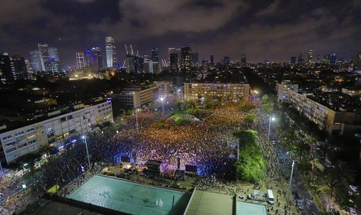 Protestkundgebung auf dem Rabin-Platz in Tel Aviv
