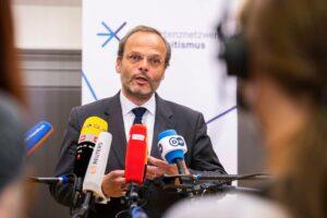 Der Antisemitismusbeauftragte der Bundesregierung Felix Klein. (imago images/Emmanuele Contini)