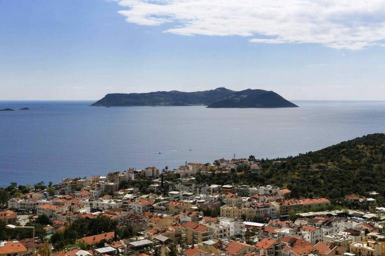 Blick vom Festland der Türkei auf die griechische Insel Kastelorizo. (imago images/Westend61)