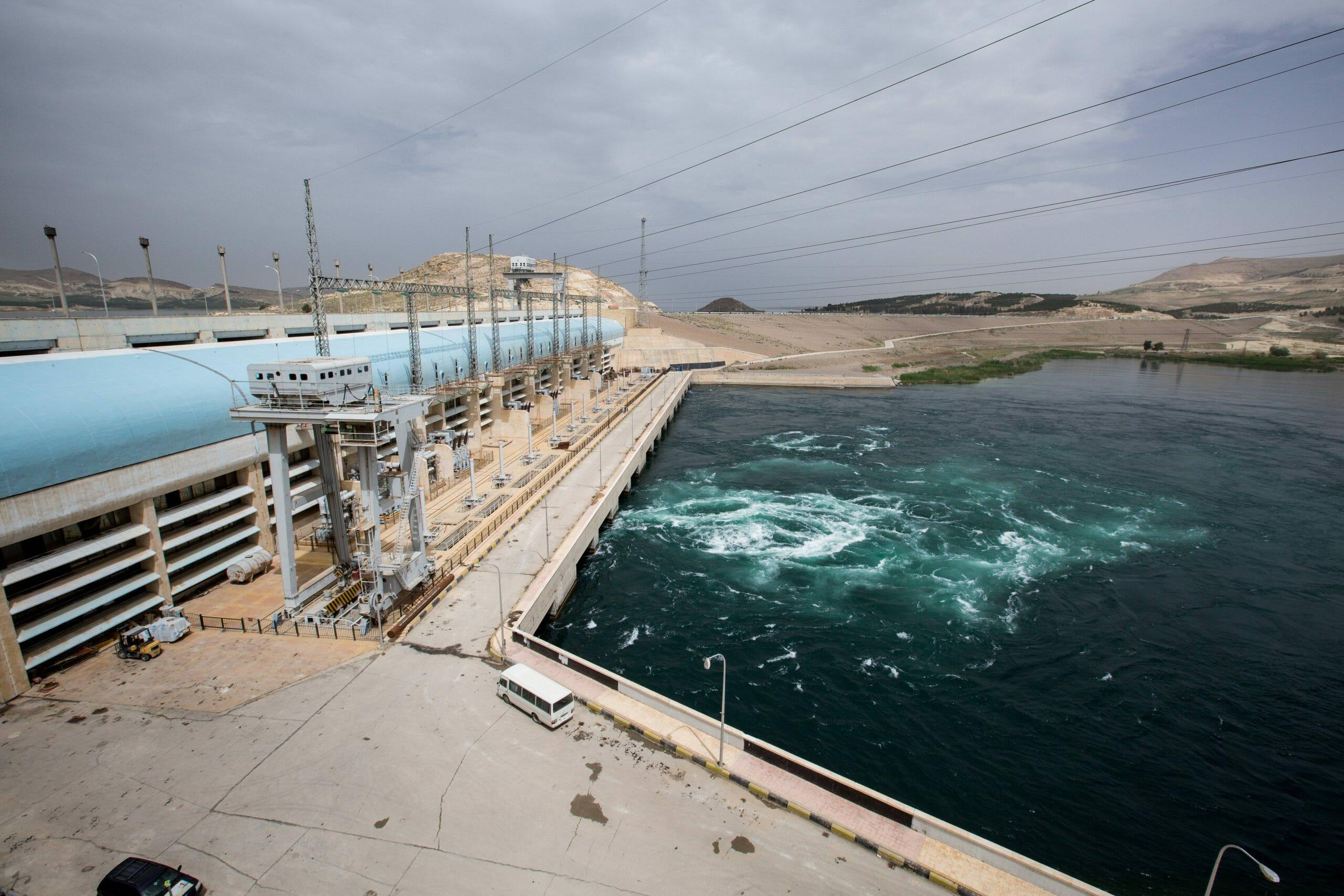 Die Türkei kontrolliert u.a. den Tishreen-Staudamm am Euphrat in Syrien. (imago images/Sebastian Backhaus)