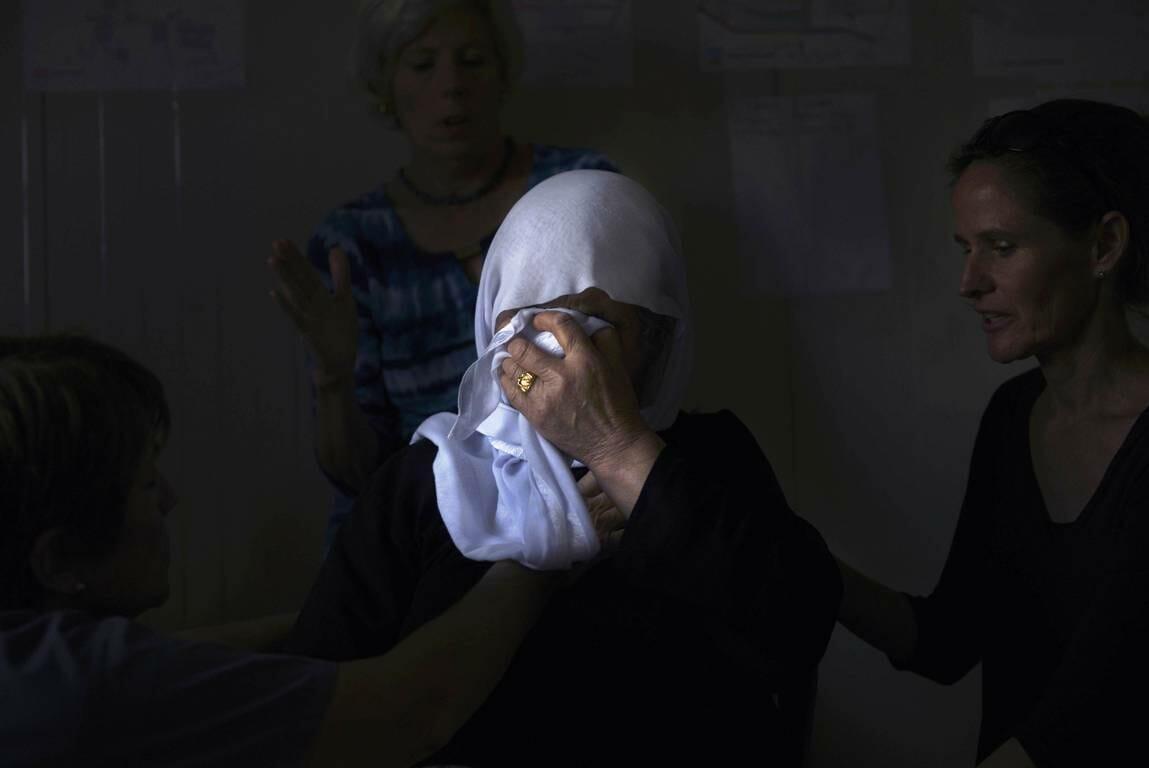 Trauer unter den Jesiden im Irak: Der Sohn und die Tochter der Frau wurden vom IS ermordet. (imago images/ZUMA Press)