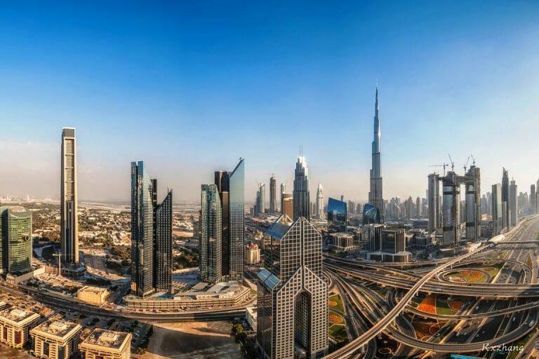 Die Vereinigten Arabischen Emirate und Israel schließen Frieden. Im Bild: die Skyline von Dubai. (imago images/Imaginechina-Tuchong)