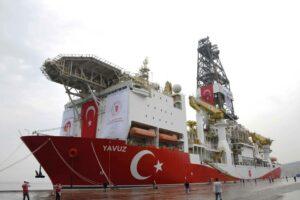 Die Yavuz ist nur eines der türkischen Bohrschiffe, die in den Gewässern rund um Zypern Erdgasbohrungen durchführen. (imago images/Xinhua)