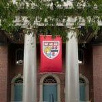 """Das Motto der US-Universität Harvard lautet """"Veritas"""" (Wahrheit)"""