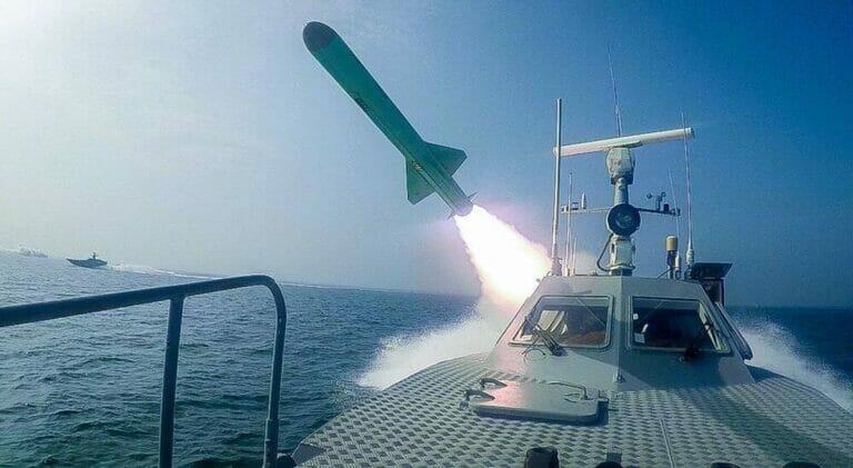 Der Iran präsentierte am Wochenende eine neue Marine-Mittelstreckenrakete