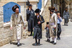 Jüdische Orthodoxe im Vierte Mea Shearim. (© imago images/BE&W)