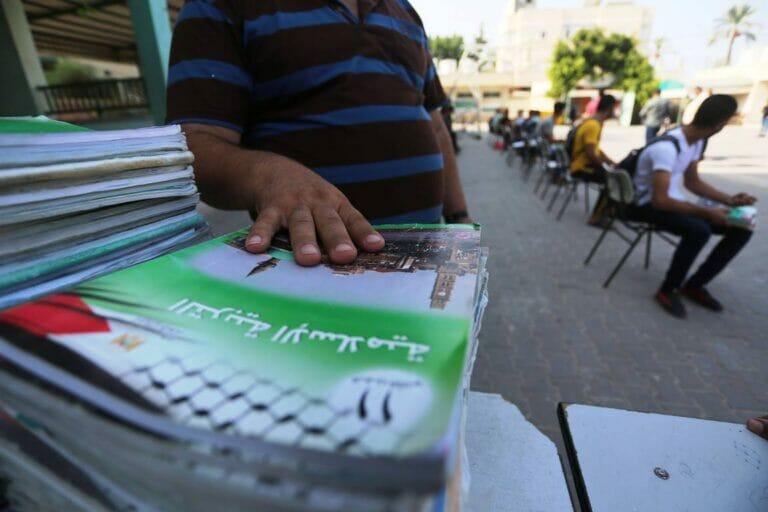 Palästinenser werden in den Schulen weiter mit Hass und Gewaltverherrlichung indoktriniert. (imago images/ZUMA Wire)