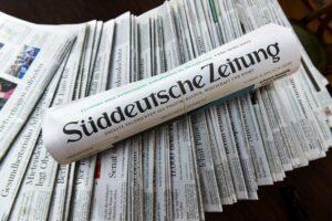 Hat die Verunglimpfung von Juden oder Israel in der Süddeutschen Zeitung System? (© imago images/Schöning)