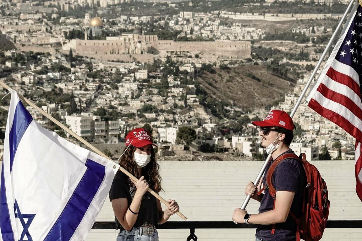 Der US-Wahlkampf findet auch in Israel statt – wie hier für Präsident Trump in Jerusalem. (© imago images/ZUMA Wire)