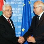 EU-Außenbeauftragter Joseph Borrell mit Mahmud Abbas