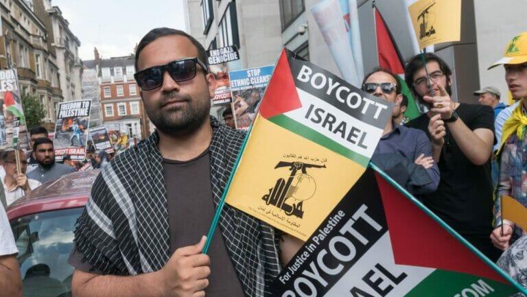 Hisbollah-Anhänger auf dem Al-Quds-Marsch in London
