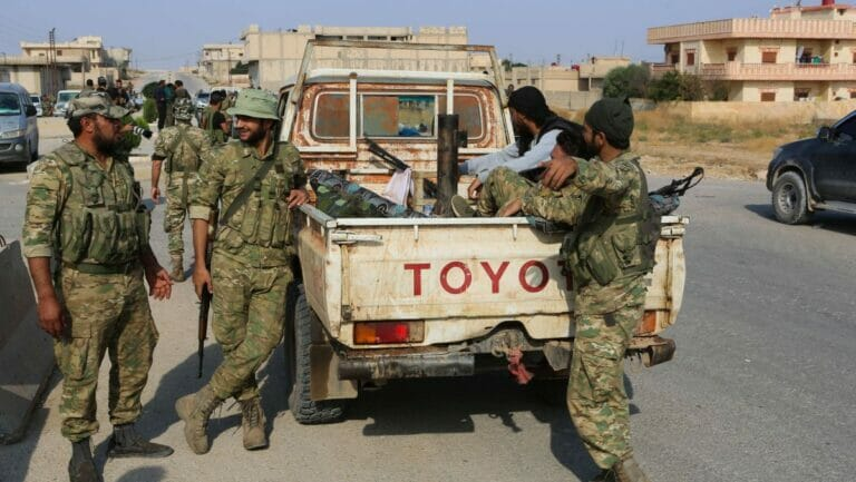Kämpfer der Syrischen Nationalen Armee in Tal Abyad