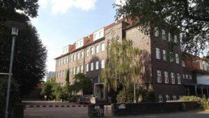 Lehrer der Waldorfschule Oldenburg verbreitet antisemitische Verschwörungstheorien