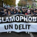 "November 2019: Demonstration gegen ""Islamophobie"" in Paris. (© imago images/Hans Lucas)"