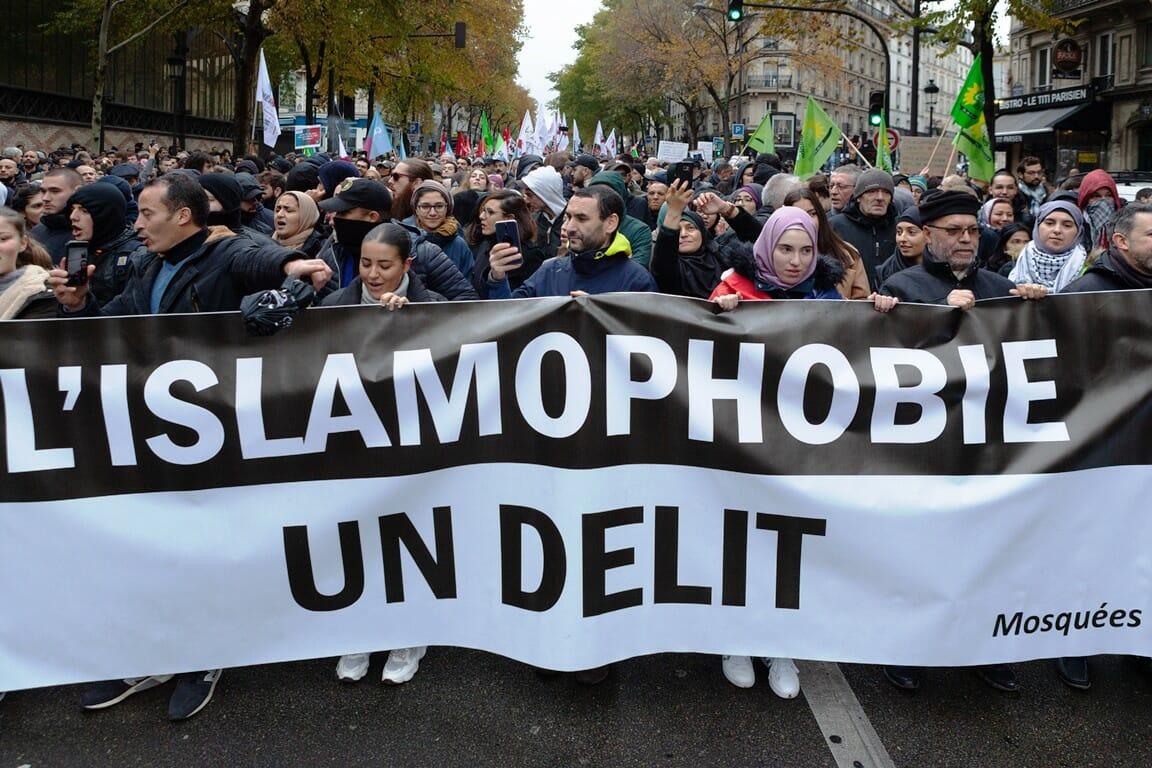 "November 2019: Demonstration gegen ""Islamophobie"" in Paris. (© imago images/Hans Lucas)"