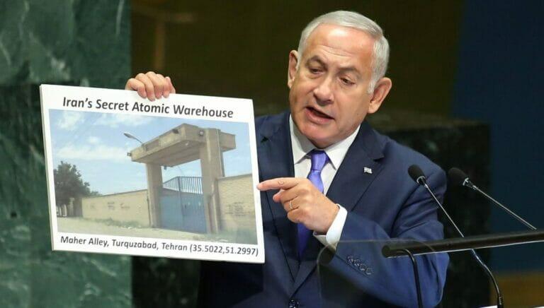 In einer Rede vor der UNO enthüllte Benjamin Netanjahu 2018 die Existenz des geheimen Nuklearlagers in Teheran