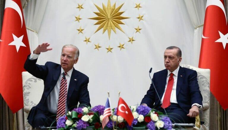 Dem türkischen Präsidenten erdogan kommt Joe Bidens Wahlsieg ungelegen