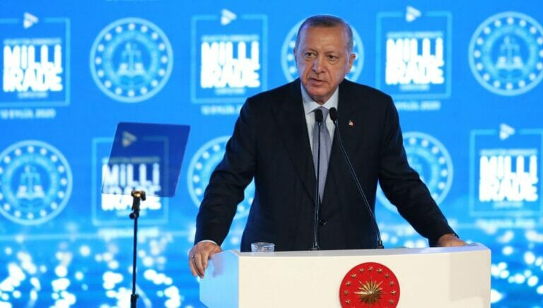 Im September warnte Erdogan Frankreich bereits vor Einmischung in türkische Aktivitäten im östlichen Mittelmeer