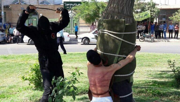 Öffentliche Auspeitunschung wegen Alkoholkonsums im Iran