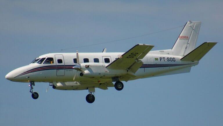 Ein Flugzeug vom Typ Embraer EMB-110 Bandeirante