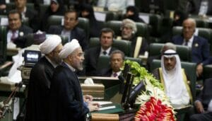 Irans Präsident Rohani spricht vor dem Parlament