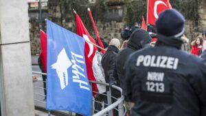 Demonstration der Grauen Wölfe in Dortmund
