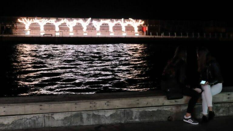 Hanukkah-Lichtinstallation im Hafen von Tel Aviv