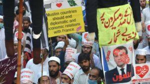 Rassimuskritik? Radikale Muslime nehmen nach der Enthauptung Samuel Patys den französichen Präsidenten Macron ins Visier