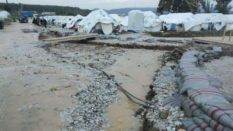 Das neue Lager in Moria bei Regen