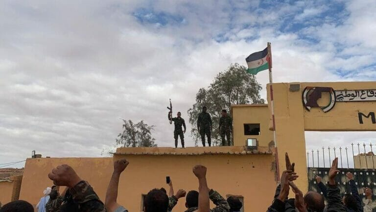 Polisario-Kämpfer im Saharawi Flüchtlingslager in Rabuni, Algerien