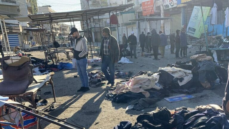 Die beiden Selbstmordattentäter sprengten sich auf einem Markt in Bagdad in die Luft