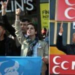 Aktivisten der Grauen Wölfe und Parteiführer ihres politischen Arms