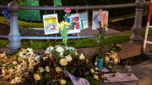 Gedenken an den wegen Mohammed-Karikaturen ermordeten Lehrer Samuel Paty