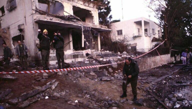 Einschlag einer irakischen Scud-Rakete bei Tel Aviv während des Golfkriegs von 1991