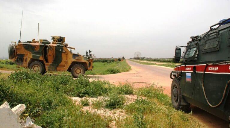 Gemeinsame Militärpatroullie von Russland und der Türkei in Syrien