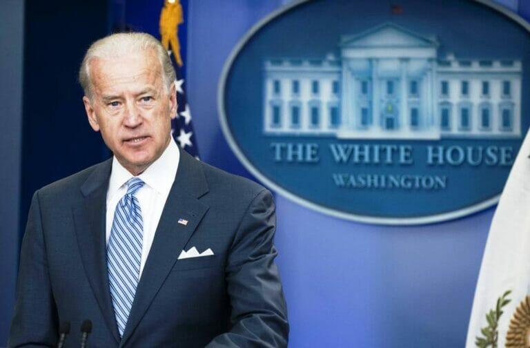US-Präsident Biden will sich nicht in den Nahen Osten hineinziehen lassen, das iranische Regime zieht daraus seine Schlüsse. (© imago images/UPI Photo)