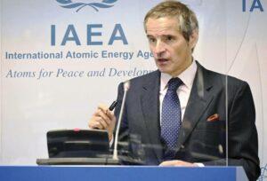 IAEO-Chef Rafael Grossi verhandelte am Wochenende im Iran über die zukünftigen Inspektionsmöglichkeiten. (© imago images/Kyodo News)