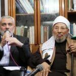 """Der Chefideologe der Muslimbruderschaft, Jusuf al-Qaradawi, zu Gast bei der islamistischen Terrororganisation Hamas im Gazastreifen. Laut dem langjährigen IGGÖ-Chef Anas Schakfeh, über den Farid Hafez eine Jubelbiographie verfasst hat, ist er ein """"großer Gelehrter"""". (© imago images/ZUMA Wire)"""