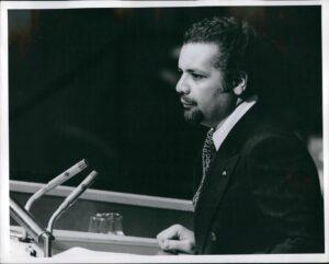 Ahmed Zaki Yamani bei einer Rede vor der Generalversammlung der Vereinten Nationen 1974 (© imago images/ZUMA/Keystone)
