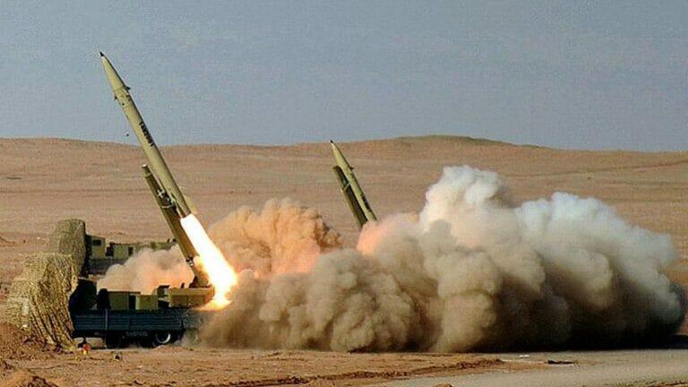 Iranische Fateh-110 Raketen bei einem Militärmanöver