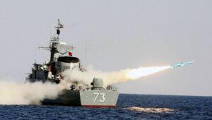 Iranische Marine bei einem Manöver
